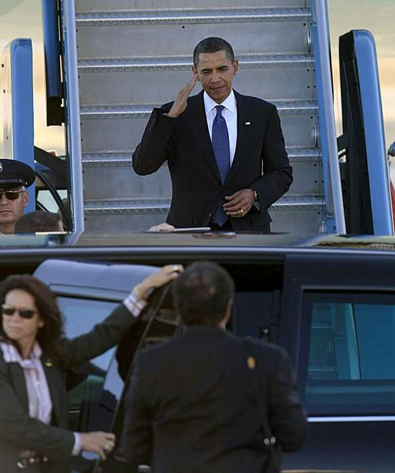 President Obama arrives on Air Force One at SFO in San Francisco on Thursday. Photo: Frederic Larson, The Chronicle