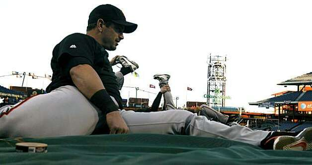 Aaron Rowand stretches during the Giants' warm ups at Citizens Bank Park in Philadelphia on Saturday. Photo: Lance Iversen, The Chronicle