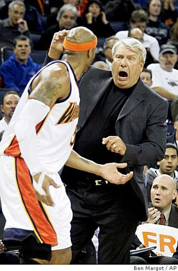 Golden State Warriors' Don Nelson, right, reacts to a foul called on Corey Maggette during the second half of an NBA basketball game Friday, Feb. 27, 2009, in Oakland, Calif. (AP Photo/Ben Margot) Photo: Ben Margot, AP