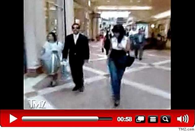 This screen capture from TMZ.com shows Los Angeles Mayor Antonio Villaraigosa strolling through a San Fernando shopping mall with then-mistress, Mirthala Salinas. Photo: TMZ.com