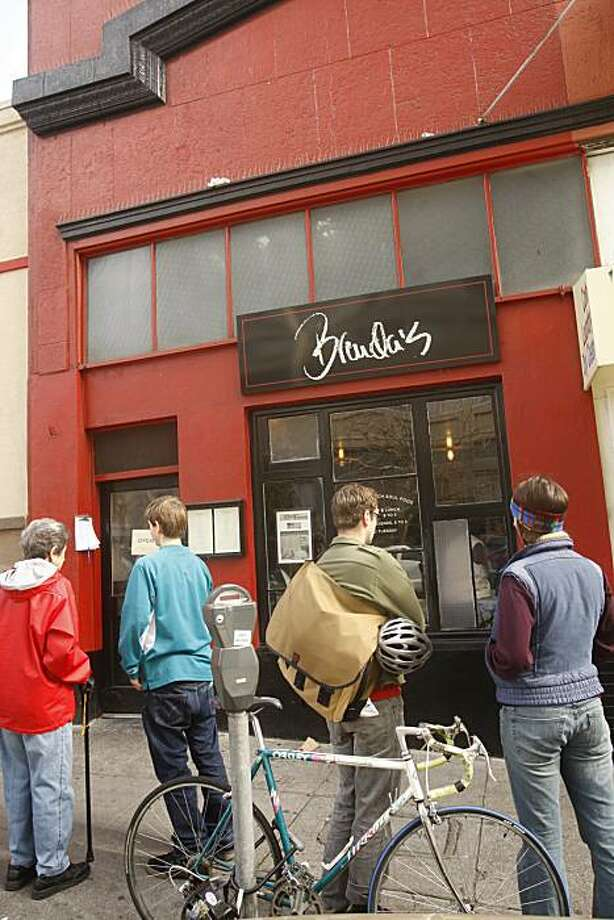 Part of the line of people waiting to get into Brenda's French Soul Food restaurant in San Francisco, Calif., on February 13, 2009. Photo: Craig Lee, The Chronicle