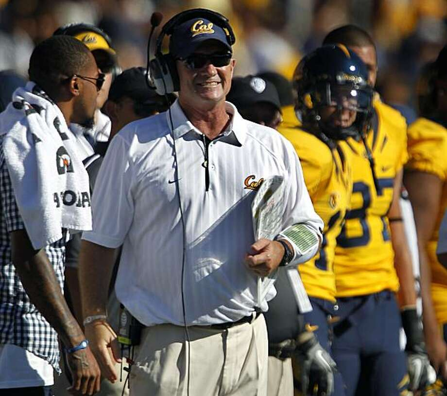 Cal head coach Jeff Tedford found plenty of reasons to smile in the Bears' game against the UCLA Bruins at Memorial Stadium in Berkeley on Saturday. Photo: Paul Chinn, The Chronicle