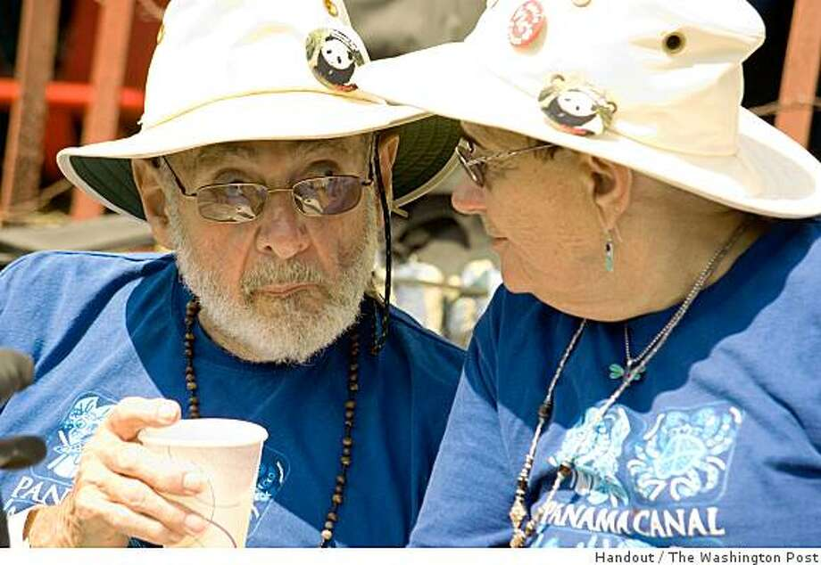 Victor Heyman and his wife, Reba, shown at the Falcon Ridge Folk Festival in July in upstate New York, were known as the financial guardians of countless folk performers nationwide. Heyman, of Rockville, Md., died Jan. 6 at age 73. Illustrates HEYMAN-OBIT (category a), by Kay Coyte (c) 2009, The Washington Post. Moved Tuesday, Feb. 24, 2009. (MUST CREDIT: By Neale Eckstein). Photo: Handout, The Washington Post
