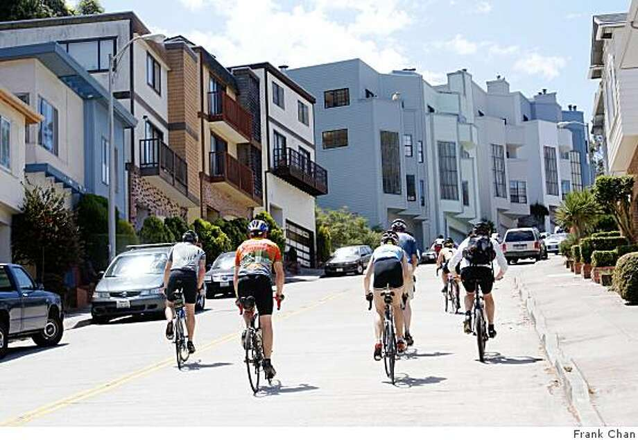 Hill loving cyclists pedal up steep Warren Drive during the Seven Hells of San Francisco 2008 bike ride. Photo: Frank Chan