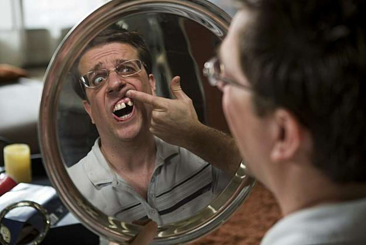 Stu (ED HELMS) discovers he is missing a tooth in Warner Bros. Pictures' and Legendary Pictures' comedy