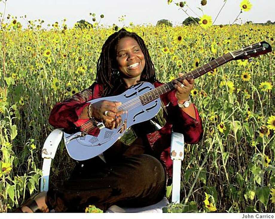 ...Guitarist Ruthie Foster Photo: John Carrico