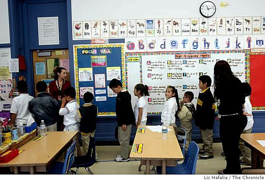 Ms. Ravi Kline (left)  lines up her multi grade class for recess at Sanchez Elementary School, on Tuesday, September 9, 2008.  Mayor Gavin Newsom  releases news of the first survey of kindergartner readiness in San Francisco, Calif.,  showing success rates throughout a child's education should they be kindergartner prepared. Photo: Liz Hafalia, The Chronicle