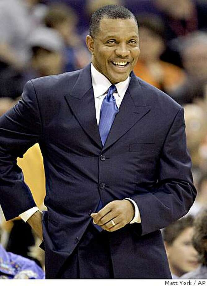 Phoenix Suns head coach Alvin Gentry smiles during the first quarter of a game against the Los Angeles Clippers Tuesday, Feb. 17, 2009 in Phoenix. Photo: Matt York, AP