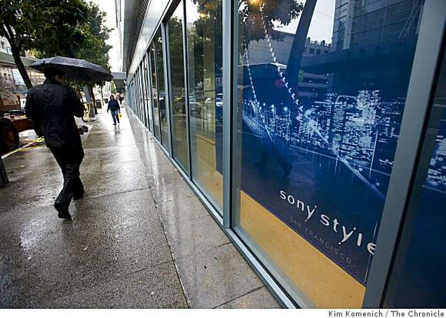 Sony Corporation has announced that it is closing its PlayStation and Sony Style stores the Metreon complex in San Francisco, Calif. The stores were open for business on Tuesday, Feb. 17, 2009. Photo: Kim Komenich, The Chronicle