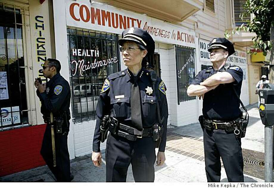 , San Francisco Police Chief Heather Fong meets with community members on 3rd Street in the Bayview District on Thursday August 14, 2008 in San Francisco Calif. Photo: Mike Kepka, The Chronicle