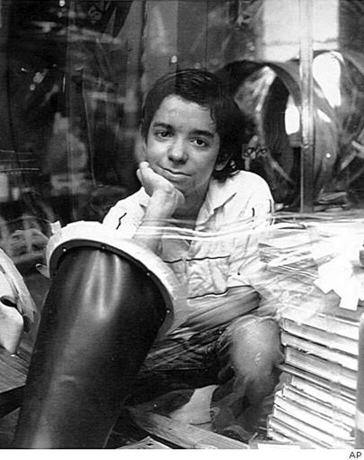 "'Boy in the Bubble' David age 12 1983   AP CAPTION(NY17-FEB. 20, 1989)--Five years after death of the BUBBLE BOY---It's been five years since the death of David, the famed ""Boy in the Bubble,"" shown at the age of 12 in this 1983 photo.  Some babies born now with the same fatal disorder are avoiding the sterile isolation he required for 12 years to survive.  (AP LASERPHOTO) Bubble Boy Anniversary. HOUCHRON CAPTION (04/20/1998): David, age 12.  HOUCHRON CAPTION  (08/15/2001):  David Vetter, the ""Bubble Boy,"" in 1983 at age 12. Photo: AP"