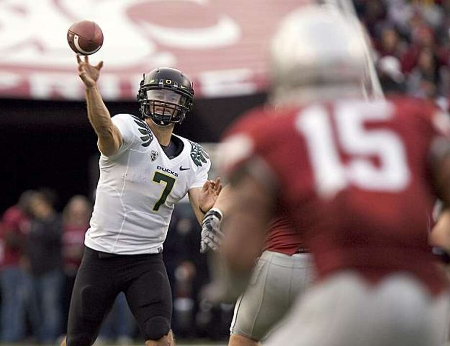 Oregon quarterback Nate Costa (7) passes to Jeff Maehl, not seen, during the third quarter of an NCAA college football game against Washington State Saturday, Oct. 9, 2010, at Martin Stadium in Pullman, Wash. Oregon won 43-23. Photo: Dean Hare, AP