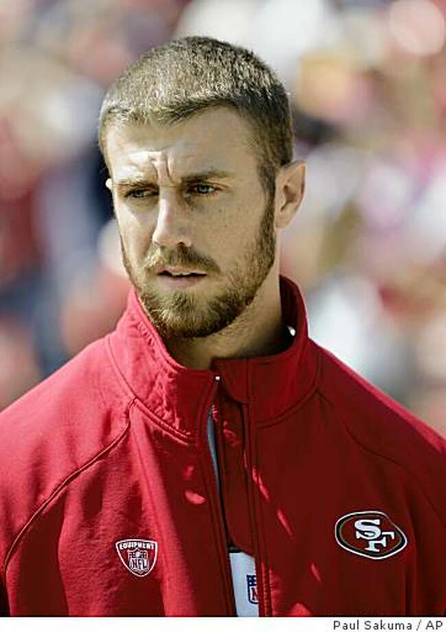 Injured San Francisco 49ers quarterback Alex Smith watches the game against the Arizona Cardinals in the first quarter of an NFL football game in San Francisco, Sunday, Sept. 7, 2008. Photo: Paul Sakuma, AP