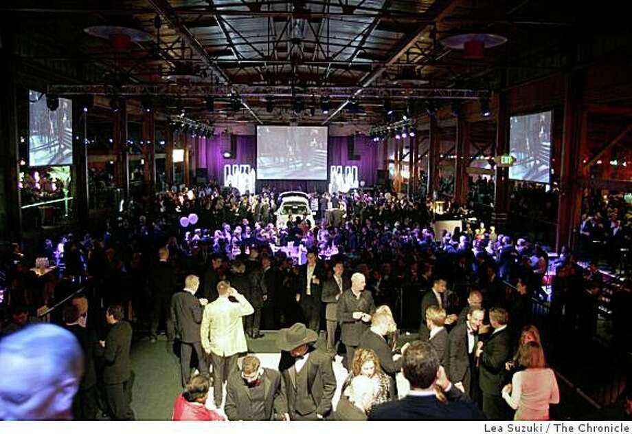 The Academy of Friends Oscar party at Concourse Exhbiition Center in 2006 Photo: Lea Suzuki, The Chronicle