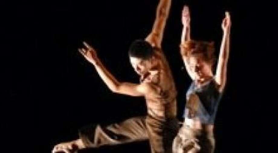 Dancers:  Heidi Schweiker, Margaret Jenkins Dance Company (right) and  Zheng Zhi, Guangdong Modern Dance Company (left) Photo: Lin Xiaoyi