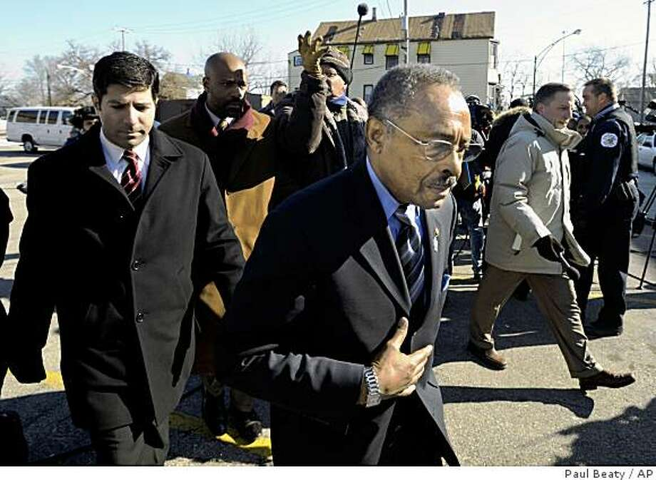 Sen. Roland Burris (D-Ill.), leaves a press conference outside Fellowship Missionary Baptist Church in Chicago, Monday, Feb. 16, 2009. (AP Photo/Paul Beaty) Photo: Paul Beaty, AP