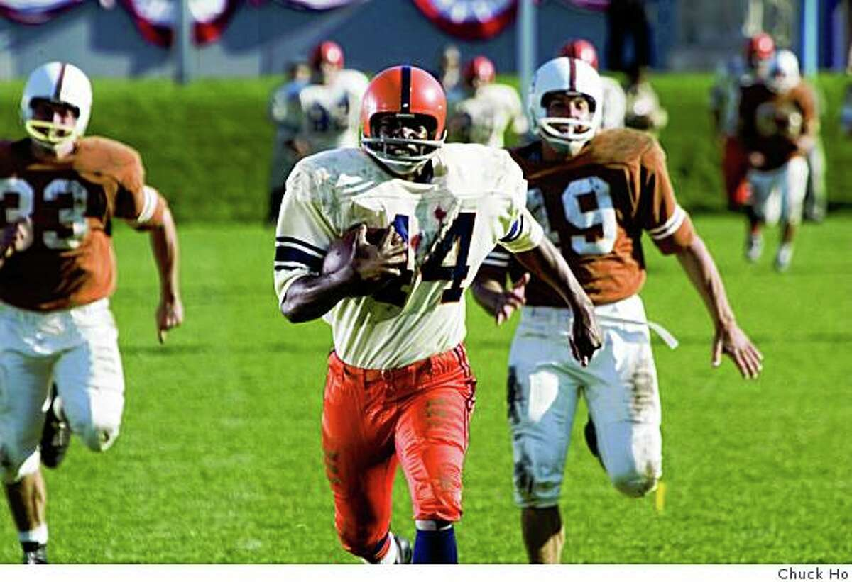 """Rob Brown in """"The Express,"""" about Ernie Davis, the first African American Heisman Trophy winner. (2008)ROB BROWN stars as college football hero Ernie Davis in a drama based on the true story of the running back who smashed barriers on and off the field--?The Express?."""