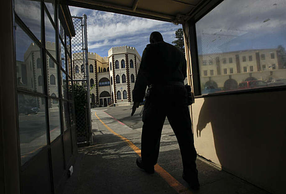 A prison guard at the Eastern entrance into the prison. Officials from San Quentin State Prison held a tour the newly completed Lethal Injection Facility, on Tuesday Sept. 21, 2010 in San Quentin, Calif. Photo: Michael Macor, The Chronicle