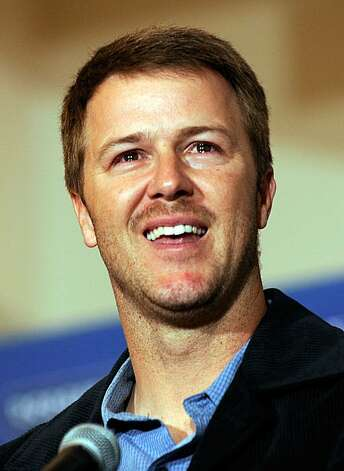 LOS ANGELES, CA - JANUARY 22:  Jeff Kent #12 of the Los Angeles Dodgers and the major league record-holder for home runs by a second baseman announces his retirement after 17seasons in Major League Baseball at a press conference on January 22, 2009 at Dodger Stadium in Los Angeles.  (Photo by Kevork Djansezian/Getty Images) Photo: Kevork Djansezian, Getty Images
