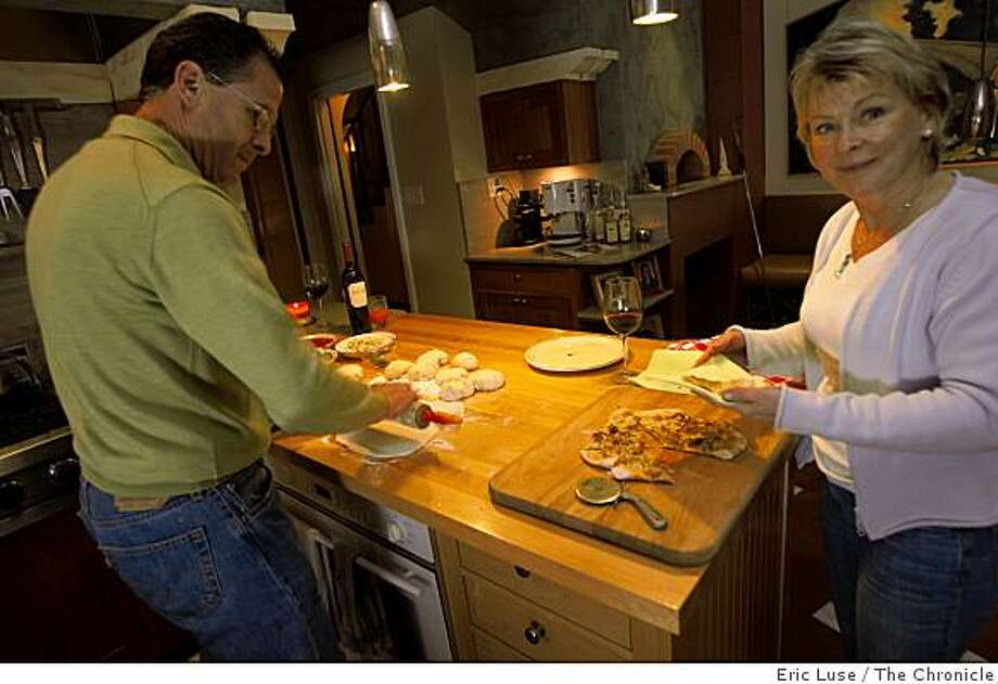 From a family recipe Jim and Sue Hager making pizza in their Oakland home photographed  on Tuesday,  January 27, 2009. Photo: Eric Luse, The Chronicle