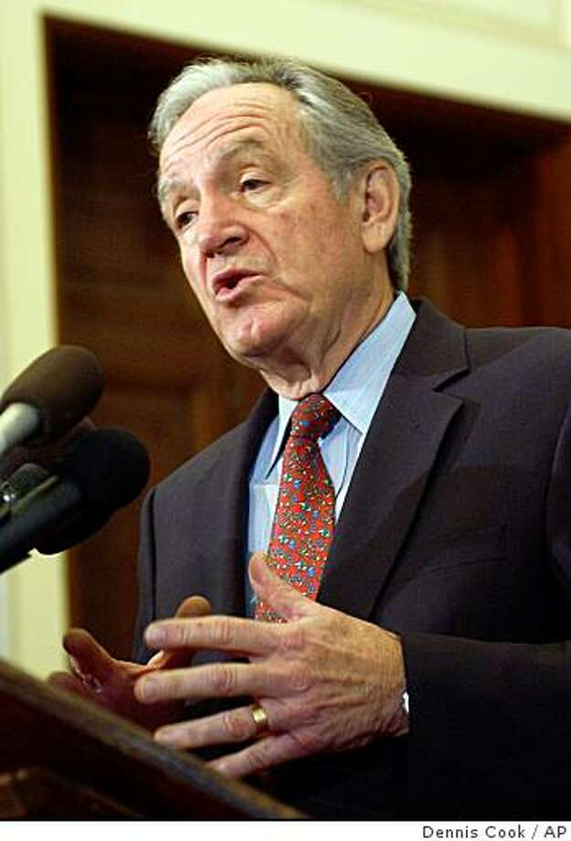 Incoming Senate Agriculture Committee Chairman, Sen. Tom Harkin, D-Iowa, gestures during a news conference on Capitol Hill in Washington, Tuesday, Dec. 12, 2006. (AP Photo/Dennis Cook) Photo: Dennis Cook, AP