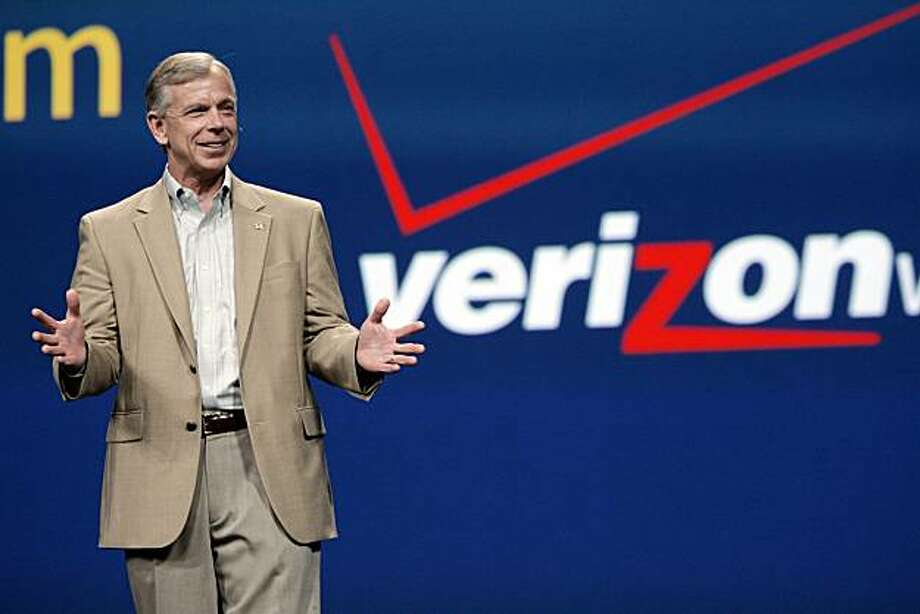 This June 2, 2009 file photo, shows Lowell McAdam, then, president and CEO of Verizon Wireless, speaking in San Francisco. Verizon Communications said Monday, Sept. 20, 2010, it has named the head of its wireless division, Lowell C. McAdam, as its chief operating officer. Photo: Paul Sakuma, AP