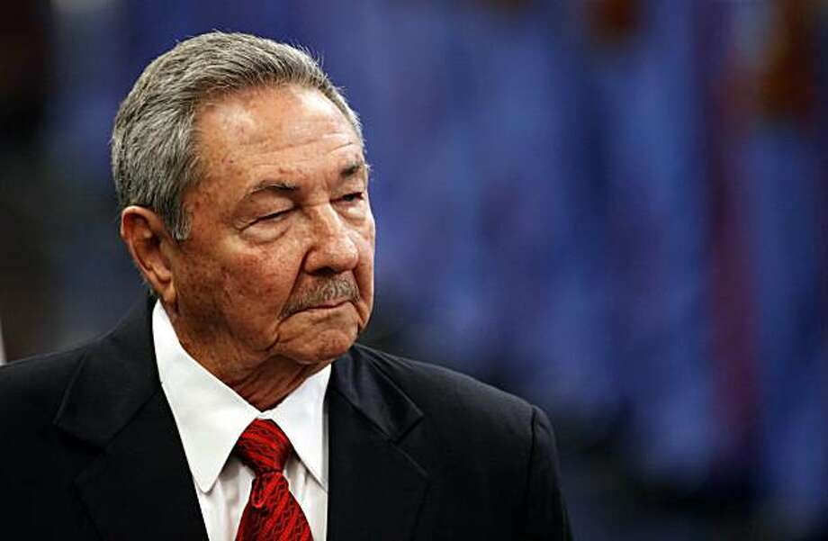 Cuba's President Raul Castro reviews a honor guard during the official welcoming ceremony for Guinea Bissau's President Malam Bacai Sanha, not in picture, in Havana, Cuba, Monday, Aug. 30, 2010. Photo: Javier Galeano, AP