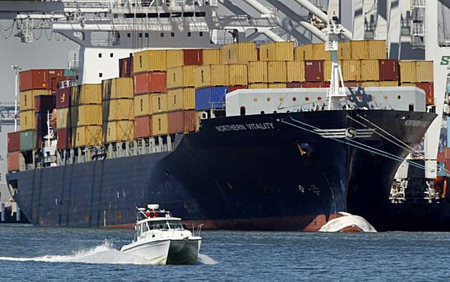 how to get a job on a cargo ship
