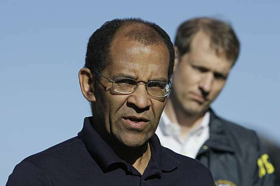 Christopher Hart, vice chairman of the National Transportation Safety Board, left, speaks at a news conference in San Bruno, Calif., Monday, Sept. 13, 2010. At right is NTSB public affairs officer Peter Knudson. Photo: Jeff Chiu, AP