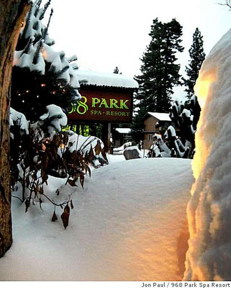 968 Park Spa Resort in South Lake Tahoe Photo: Jon Paul, 968 Park Spa Resort