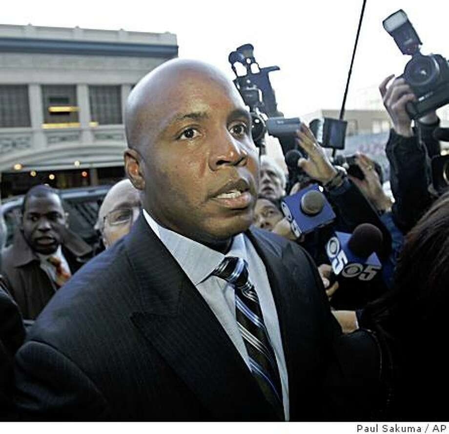** File ** Barry Bonds arrives at the San Francisco Federal Building in San Francisco, in this  Dec. 7, 2007 file photo.  Bonds' lawyers are scheduled to ask U.S. District Court Judge Susan Illston on Friday, Feb. 29, 2008  to dismiss a federal indictment charging him with perjury and obstruction of justice for his grand jury testimony, in which he denied knowingly using illegal performance-enhancing drugs.  (AP Photo/Paul Sakuma) Photo: Paul Sakuma, AP