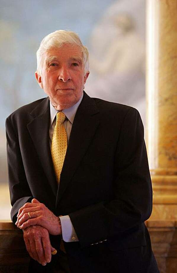 - RETRANSMISSION TO CORRECT DATE OF DEATH: JAN. 27, 2009.  -  FILE -- (NYT11) BOSTON -- Jan. 27, 2009 -- OBIT-UPDIKE-6 -- John Updike, the Pulitzer Prize-winning novelist, prolific man of letters and erudite chronicler of sex, divorce and other adventures in the postwar prime of the American empire, died Tuesday, Jan. 27, 2009 at age 76. Updike at the Boston Public Library, May 18, 2006.(Robert Spencer/The New York Times) Photo: Robert Spencer, NYT