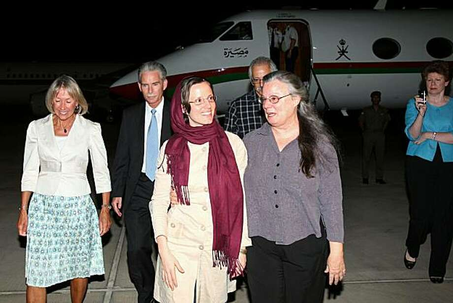 American hiker Sarah Shourd, who was released by Iran after more than 13 months in detention, walks with mother Nora (R) upon her arrival at the Omani capital Muscat on September 14, 2010. Photo: Mohammed Mahjoub, AFP/Getty Images