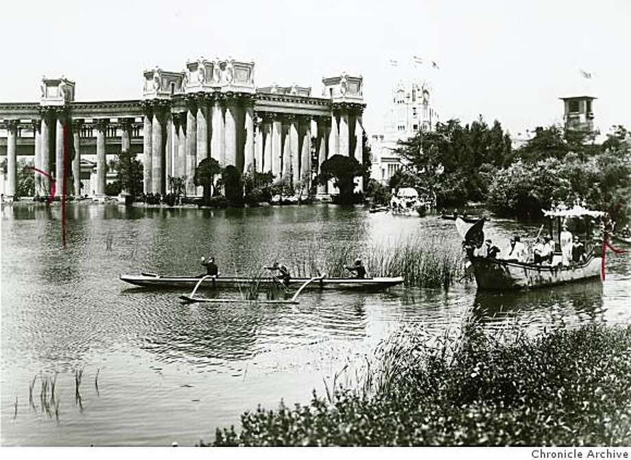 Visitors to the 1915 Panama Pacific Exposition paddling on the lagoon at the Palace of Fine Arts. Photo: Chronicle Archive