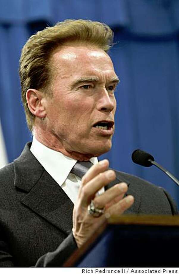 Gov. Arnold Schwarzenegger said he will restart stalled state budget talks in hopes of getting an agreement to deal with a $42 billion deficit during a news conference at the Capitol in Sacramento, Calif., Wednesday, Jan. 7, 2009. Photo: Rich Pedroncelli, Associated Press