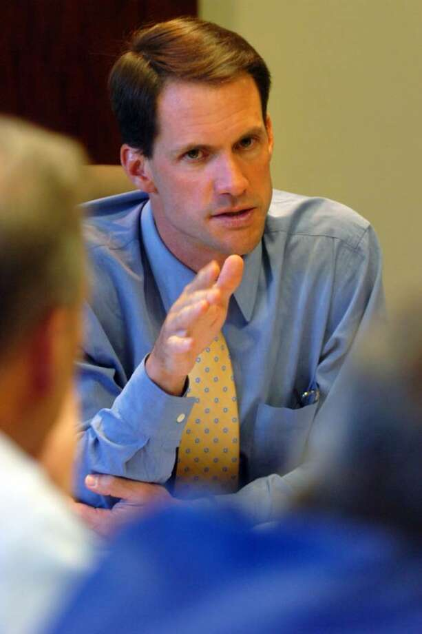 Congressman Jim Himes meets with members of the Fairfield County Medical Association in Trumbull, Conn. on Thursday, Aug. 27, 2009. Photo: Ned Gerard / Connecticut Post