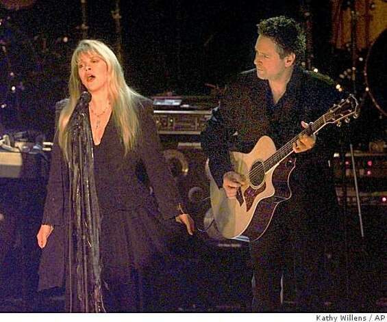 Stevie Nicks, left, and Lindsey Buckingham perform together at the Rock and Roll Hall of Fame induction ceremonies Monday Jan. 12, 1998, in New York where they were joined by other members of the group they once belonged to, Fleetwood Mac. The group, which started in 1967, was inducted to the Hall of Fame Monday night. (AP Photo/Kathy Willens) Photo: Kathy Willens, AP
