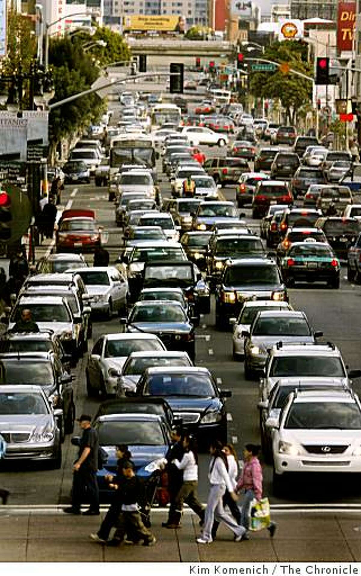 Traffic snarl in San Franciso used to illustrate Ed Perkins column on carbon footprint and travel choices for datebook column, Thursday, May 8, 2008. Photo by Kim Komenich.