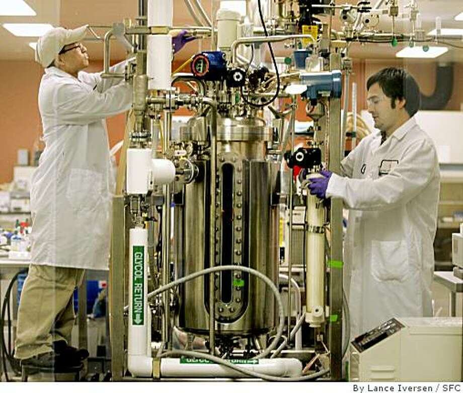 Technicians David Cheung and Jeff Norman work on a Bio Reactor at Cell Genesys, a South San Francisco biotech pharmaceutical company that develops health-care drugs. Photo: By Lance Iversen, SFC