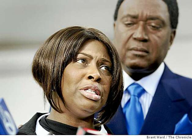 Wanda Johnson, the mother of Oscar Grant, pleaded for the violence to stop. Photo: Brant Ward, The Chronicle