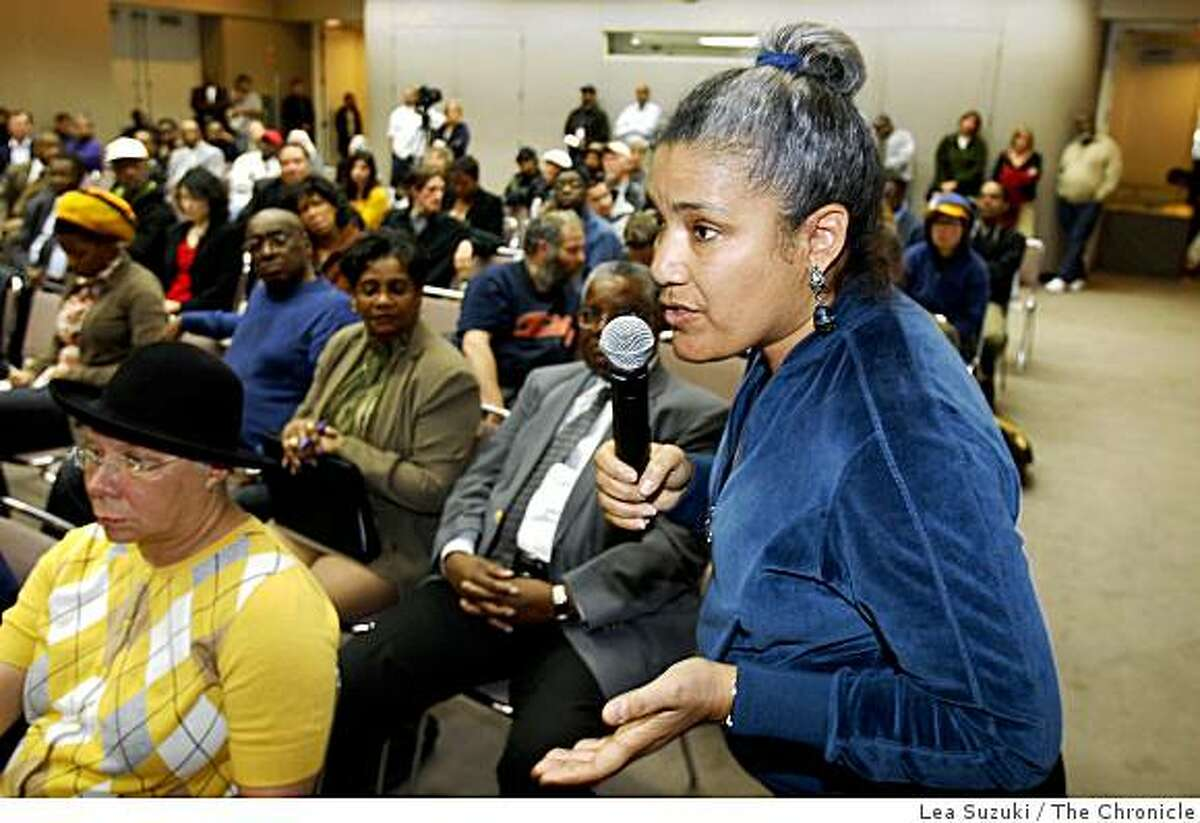 Paula Parker of Oakland speaks during a community meeting held in response to the shooting of Oscar Grant in the Lawrence D. Dahms Auditorium at the Joseph P. Bort MetroCenter in Oakland, Calif. on Sunday January 11 ,2009.