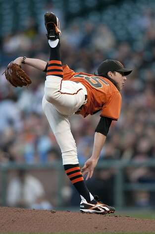 Tim Lincecum makes his delivery as the San Francisco Giants take on the Arizona Diamondbacks at AT&T Park in San Francisco, Calif., on Friday, August 27, 2010. Photo: Chad Ziemendorf, The Chronicle