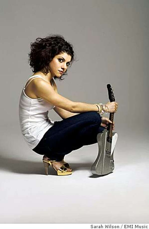 Carrie Rodriguez, the Austin-bred fiddler, mentored by veteran Chip Taylor, completes her transition to dynamic singer-songwriter with her new, second CD ?She Ain?t Me.? Opening for headliner Alejandro Escovedo at Bimbo's on 9/12.From the record company:You are mandated to distribute this credit information with this assetTitle: SHE AIN'T ME photosArtist: Carrie RodriguezRelease: She Ain't Me Photo: Sarah Wilson, EMI Music