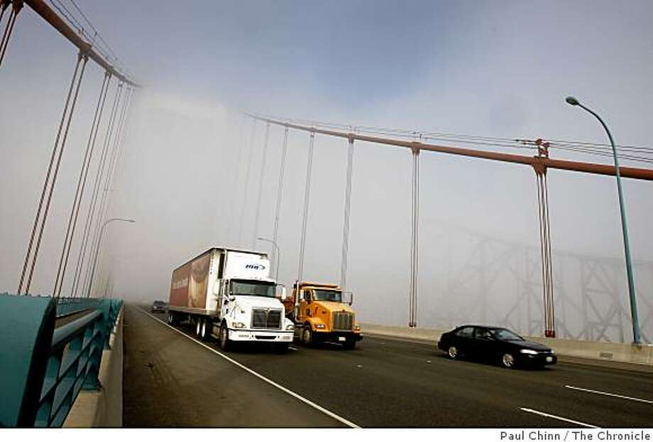 Traffic on westbound I-80 crosses over the Carquinez Strait on the Al Zampa Memorial Bridge in Crockett, Calif., on Wednesday, Dec. 31, 2008. Photo: Paul Chinn, The Chronicle
