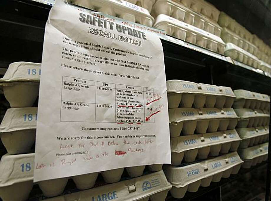 A sign warns customers of the recall of certain lots of eggs that had been previously sold at a supermarket in Los Angeles, Thursday, Aug. 19, 2010.  Some 380 million eggs are being recalled on several states due to possible salmonella contamination in acase suspected to have caused hundreds of illnesses. No eggs currently on the shelf at this store were affected by the recall. Photo: Reed Saxon, AP