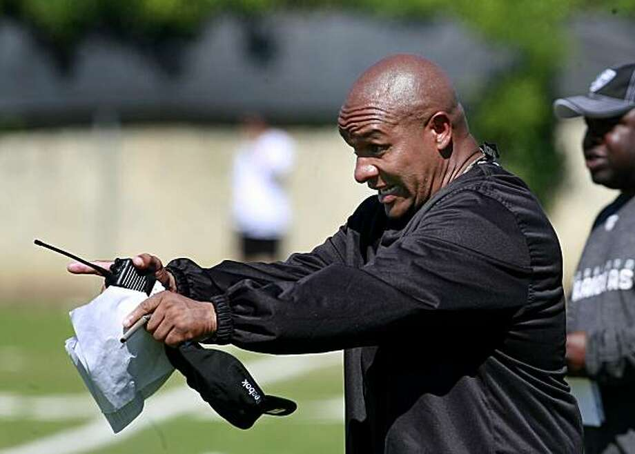 Offensive coordinator Hue Jackson made a point during workouts. The 2010 Oakland Raiders in action at their training camp in Napa, Calif. Monday August 2, 2010. Photo: Brant Ward, The Chronicle
