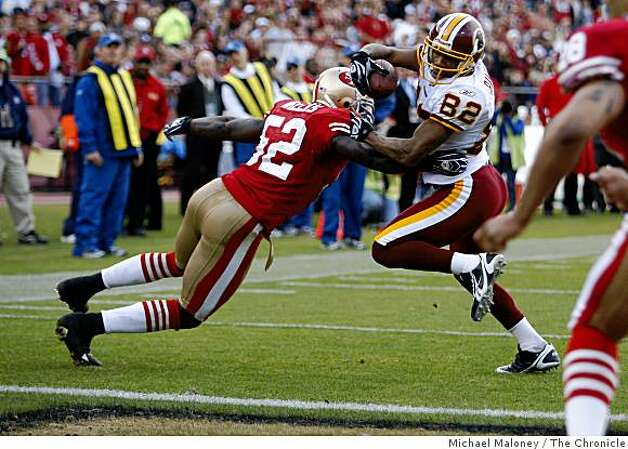Washington Redskins Antwaan Randle El (82) gets past San Francisco 49ers Patrick Willis (52) to score in a game hosted by the 49ers at Candlestick Park on Sunday, December 28, 2008. Photo: Michael Maloney, The Chronicle