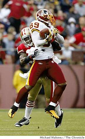 San Francisco 49ers Walt Harris (27) breaks up a pass intended for Washington Redskins Santana Moss (89) during  a game hosted by the 49ers at Candlestick Park on Sunday, December 28, 2008. The 49ers won 27-24. Photo: Michael Maloney, The Chronicle
