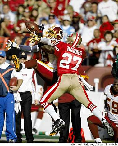 San Francisco 49ers Walt Harris (27) breaks up a pass intended for Washington Redskins Santana Moss (89) in a game hosted by the 49ers at Candlestick Park on Sunday, December 28, 2008. Photo: Michael Maloney, The Chronicle