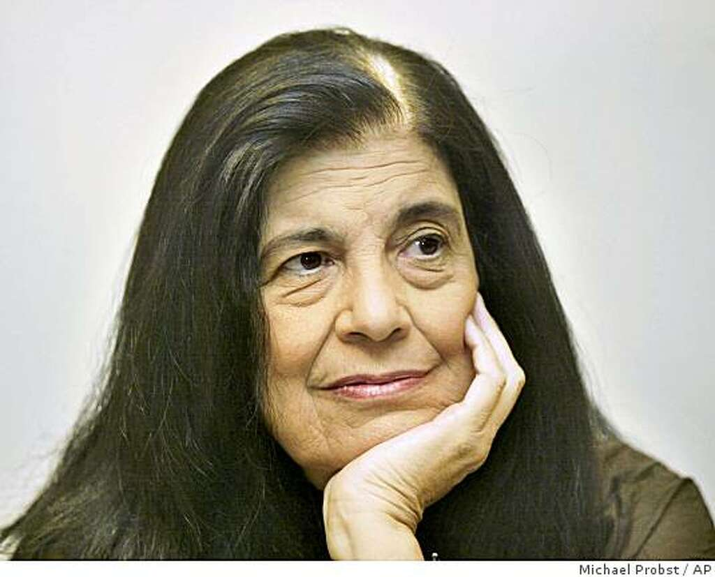 susan sontag remains cultural force after death sfgate photo michael probst ap